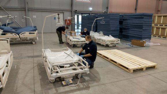 SSHR odváží lůžka z polní nemocnice v Letňanech